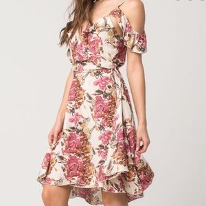 ONEILL Floral wrap dress, off shoulder sleeves